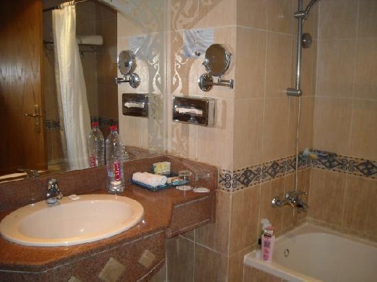 SUNRISE Garden Beach Resort -Select- : bathroom
