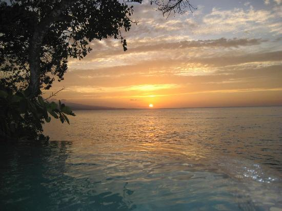 Jamaica Inn: Sunset view from Plunge Pool :)