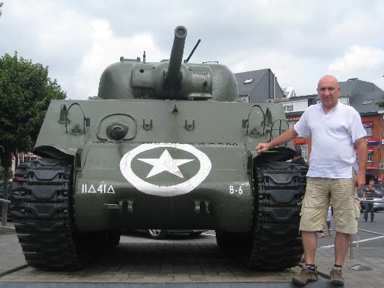 Bastogne, Belgique : Tank ve Ben