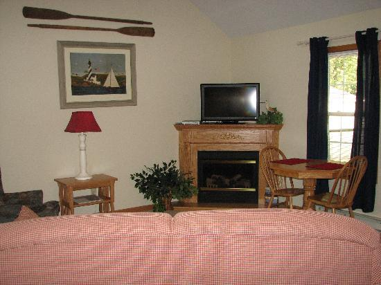 Graystone Cottages: Living Area