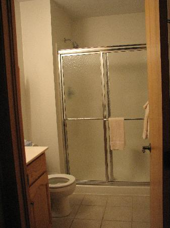 Graystone Cottages: Bathroom and Shower
