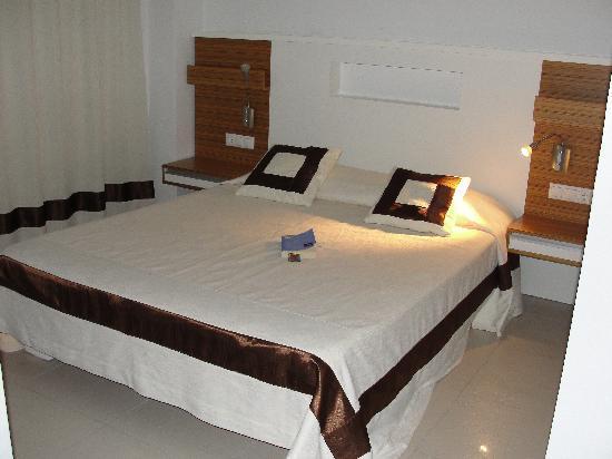 Delta Hotel: Letto - room 207