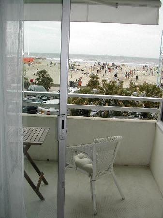 le balcon avec salon de jardin et vue mer - Photo de Le Brasilia ...