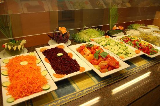 Valentin Paguera Hotel & Aptos: Salat Buffet