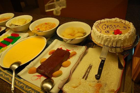 Valentin Paguera Hotel & Aptos: Nachtisch Buffet