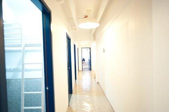 Hello Inn (Hong Kong): hallway