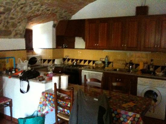 Mas Vila: Kitchen