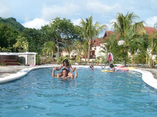 Buccament Bay Resort: Father & daughter learnt to swim in this pool and snorkelling in Buccament Bay & Princess Margar