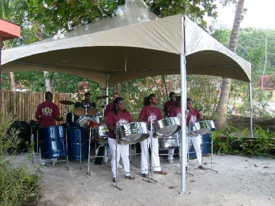 Buccament Bay Resort: Steel Band Welcome!