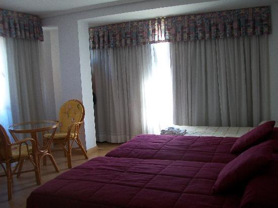 Hotel Finisterre : habitación triple