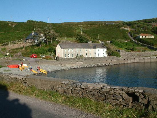 Cape Clear Island Holiday Hostel: Kayaking from the Hostel