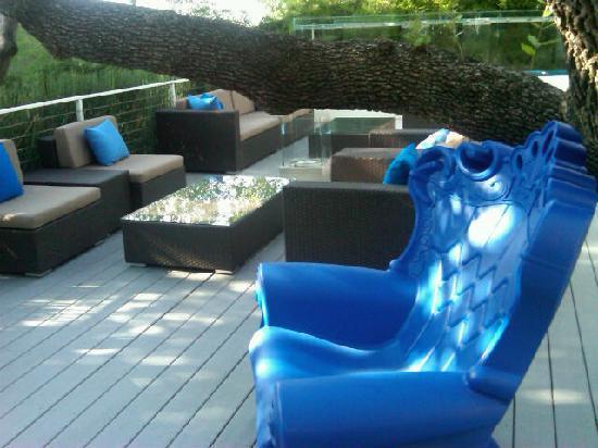 Kimber Modern Hotel: courtyard