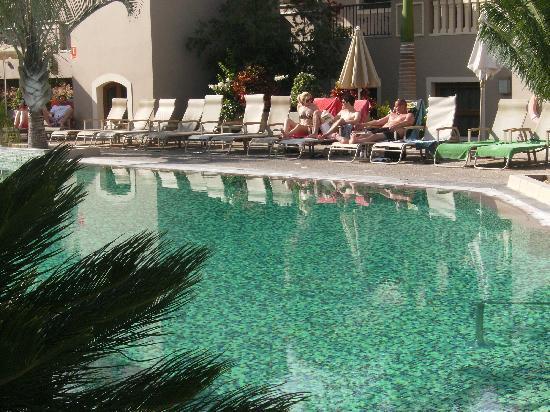 Marylanza Suites & Spa: 2 of 2 pools