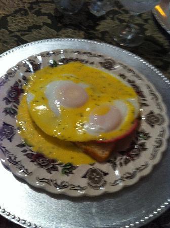 The Saragossa Inn B&B: Eggs Benedick Saragossa