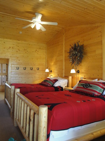 Hubbard's Yellowstone Lodge : our room at the six quartre circle ranch on hubbards property