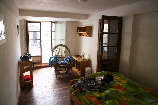 Casa Verde B&B : My comfortable room! (don't look at my mess :) )