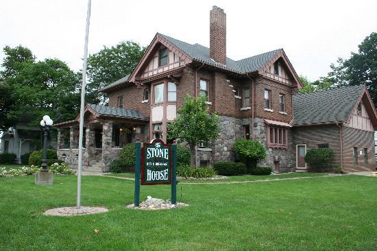 The Stone House Inn: The Stone House