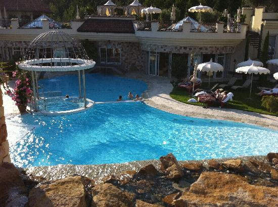 Luxury DolceVita Resort Preidlhof: Area Piscine