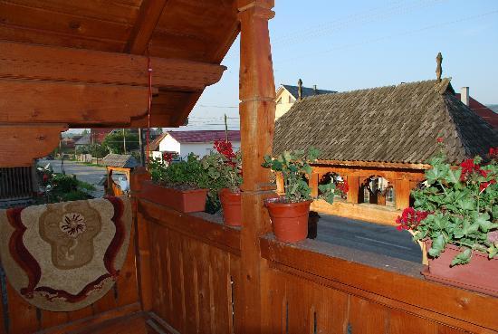 Vadu Izei, Rumania: vista desde el balcon