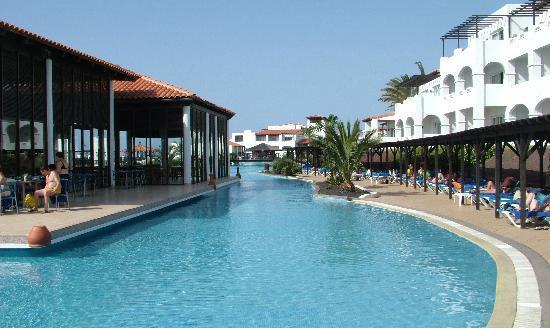 TUI MAGIC LIFE Fuerteventura : Pool bar and pool (1 of about 5 pools)