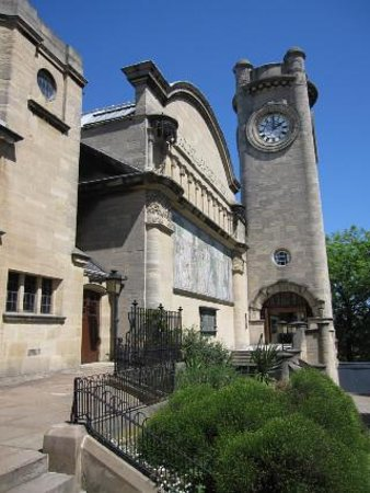 Horniman Museum and Gardens: The front exterior
