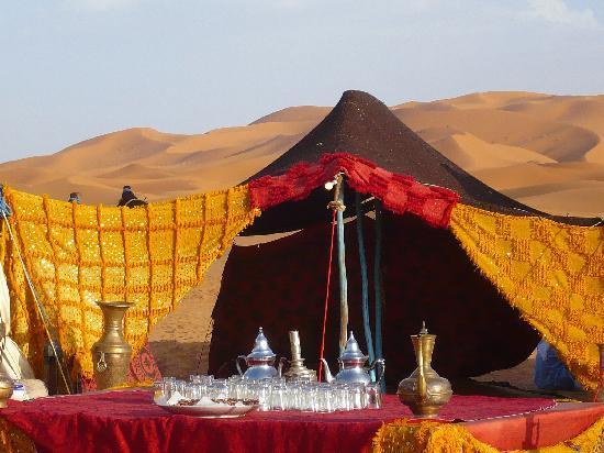 África: jaima en desierto