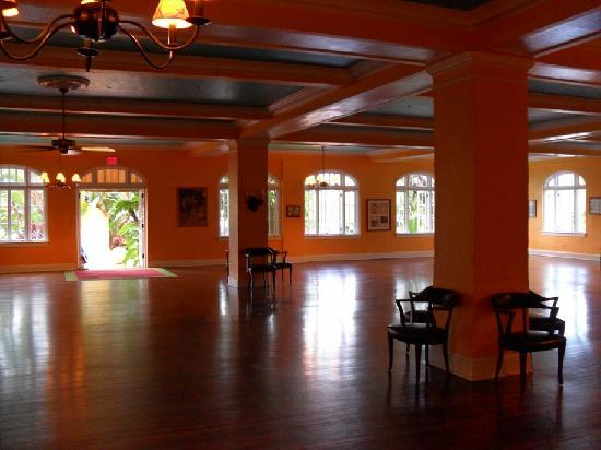 Colony Hotel And Cabana Club The Beautiful Yoga Room