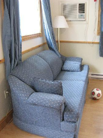 Shining Waters - Ingleside Resort: smaller cottage - couch