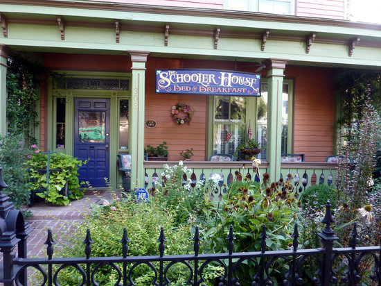 The Schooler House Bed & Breakfast: New sign affords easy recognition on Caroline Street
