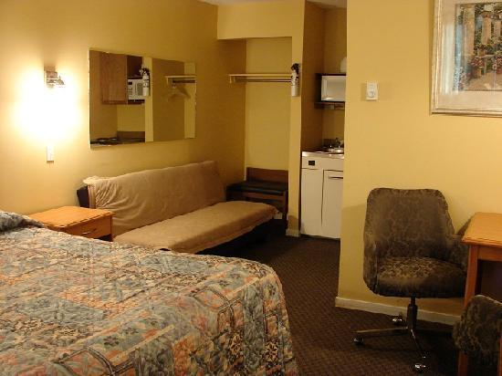 Canadas Best Value Inn: One of our rooms