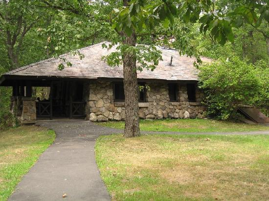 Bear Mountain Inn's Overlook Lodge: Echo Stone Cottage