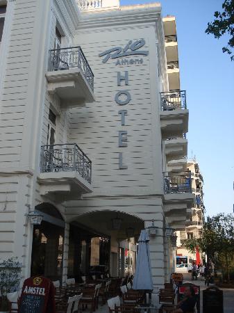 Rio Hotel: Hotel Rio from the street