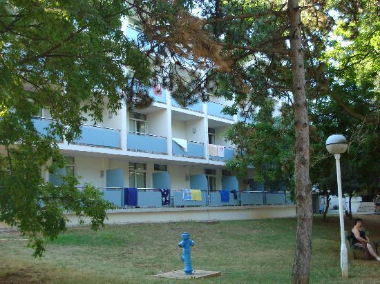 Punat, Croatia: facciata dell'hotel