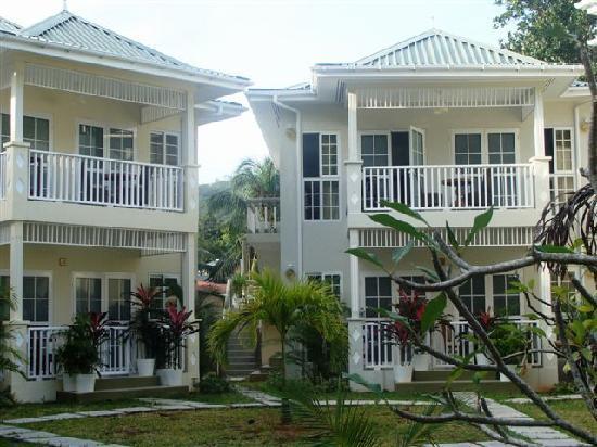 Bord Mer Villa: Vista exterior