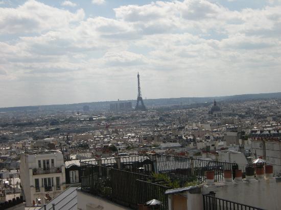 Timhotel Montmartre: Vista camera 417