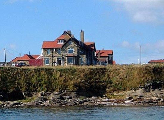 Seahouses, UK: St Aidan Hotel- view from the sea