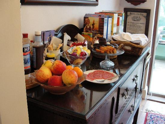 Bay Tree House Bed & Breakfast: il buffet