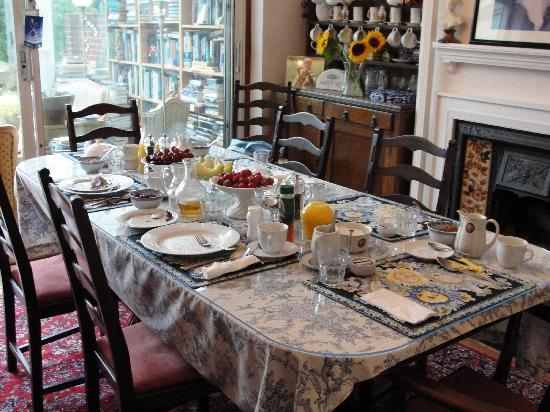 Bay Tree House Bed & Breakfast: il tavolo della colazione
