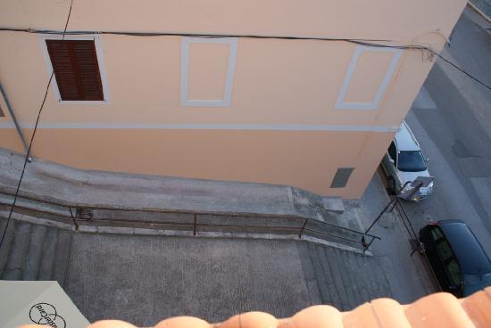 Hotel Scaletta: escaleras desde la ventana