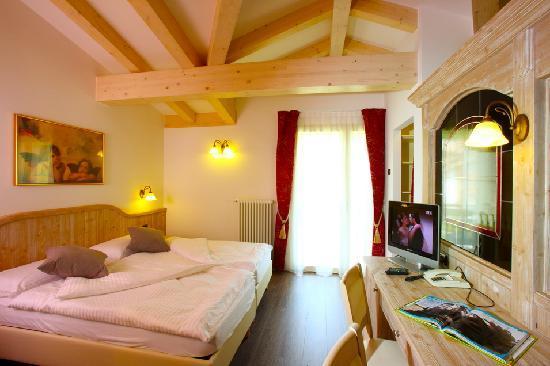 Alpino Family Hotel: Camera Dolomiti Mammolo