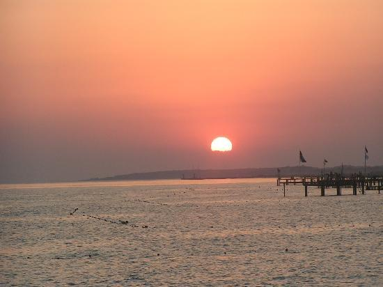 Sunrise Resort Hotel: sunset from the hotel's jetty