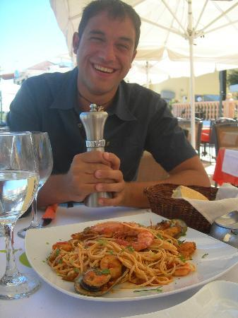 Elli's: Pasta sea food