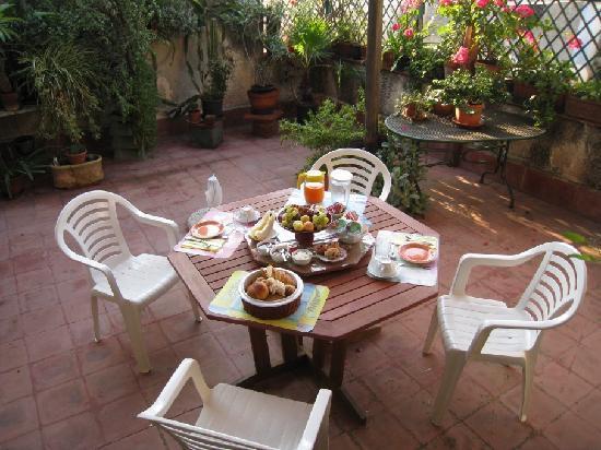 Bed & Breakfast Dolce Silenzio : Great breakfast for two