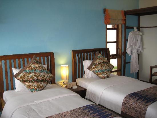 Cocotinos Manado: Room at waterfront villa