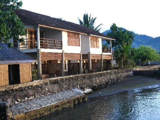 Cocotinos Manado: Waterfront villas from the jetty