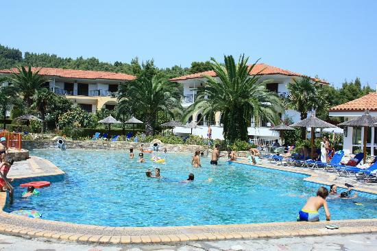 Chrousso Village: Pool