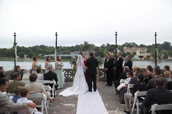 Hotel Baker: Boathouse Weddings