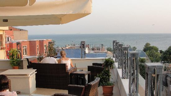 Hotel Amira Istanbul: Rooftop area