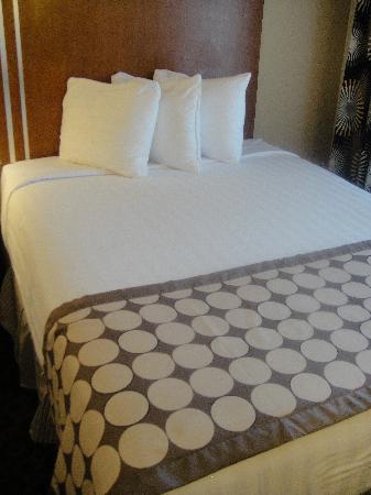 BEST WESTERN Rose City Conference Center Inn: Room 1