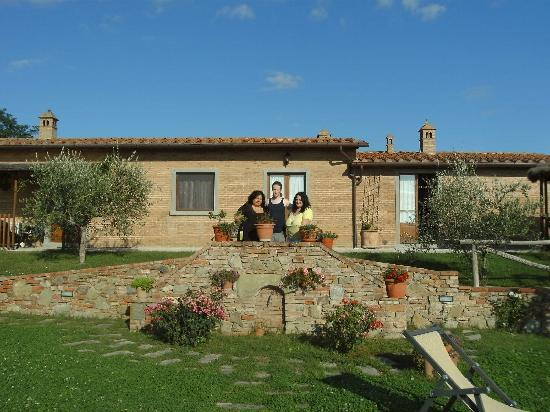 Agriturismo Pratovalle: the apartments (front view)